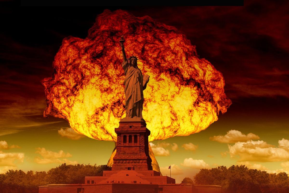 #Q Bombshells Hitting Targets -- Liz Crokin